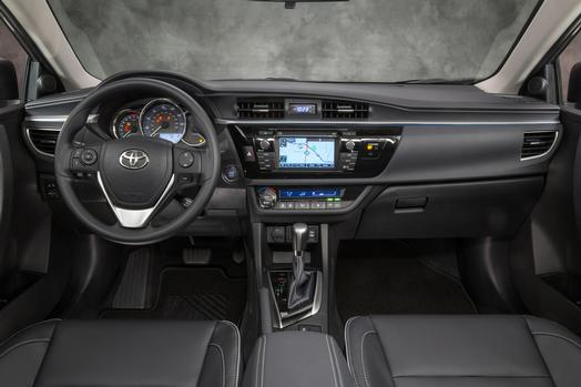 2014_Toyota_Corolla_LE_ECO_03