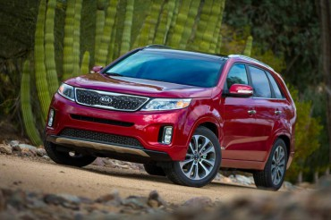 The 2015 Kia Sorento styling is crisp and contemporary.