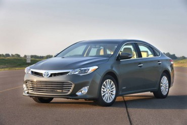 The Toyota Avalon is largely unchanged for 2015, but it's still a handsome design.