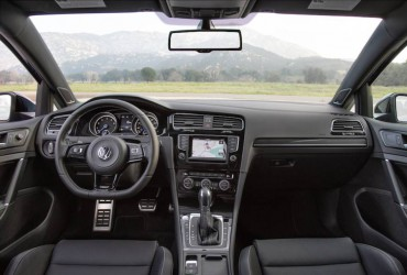 2015 VW Golf R_02