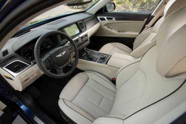 The Genesis interior is spacious and luxurious. Front seat room is especially generous.