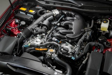 The excellent engine is the 3.5-liter V-6 which is rated at 306 hp.