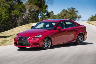 The 2015 Lexus IS350 is largely unchanged from 2014, but that also means the driving fun is still a thrill.