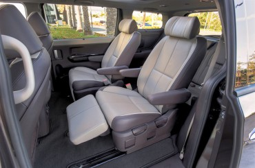 Second row comfort in the Sedona SXL is like being at home in a favorite recliner.
