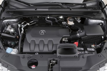 2016 Acura RDX 3.5-L V-6 engine is smooth and powerful.
