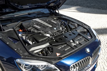 6 Series engines choices are a 315-hp inline six and a 415-hp V-8.