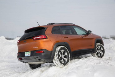 Snow driving is one of several drive modes available on the Jeep Trailhawk.
