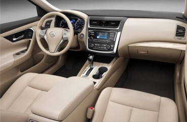 Space and comfort are key ingredients of the 2016 Nissan Altima interior.