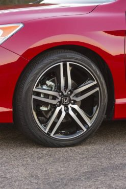 19-inch alloy wheels and 235/40 R19 tires are part of the Sport package.