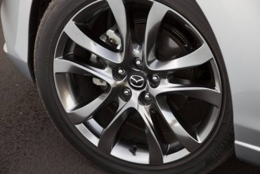 Handsome 19-inch alloy wheels enhance the sporty nature of the Mazda6.