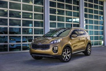 The redesigned 2017 Kia Sportage SX is available in AWD and front-wheel-drive models.