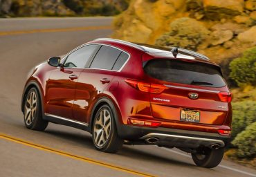 The 2017 Kia Sportage is a quiet, pleasant riding highway compact SUV.