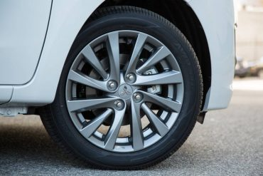 The 15-inch alloy wheels are handsome, but larger ones would improve the car's overall styling.