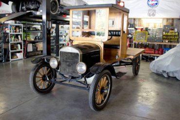 1924 Ford Model TT flatbed