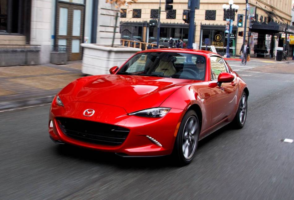 autoreviewers com 2017 mazda mx 5 miata a personal favorite gets better auto reviewers. Black Bedroom Furniture Sets. Home Design Ideas