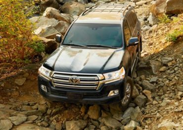 There are but a few exceptional off-road SUVs and the Toyota Lan Cruiser is among that special group.